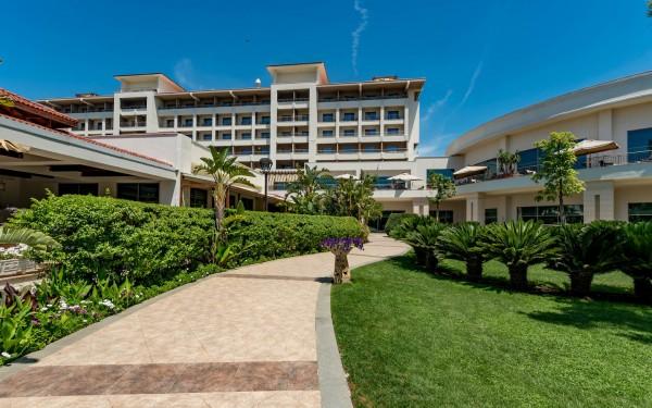 the-hotel--v13193887